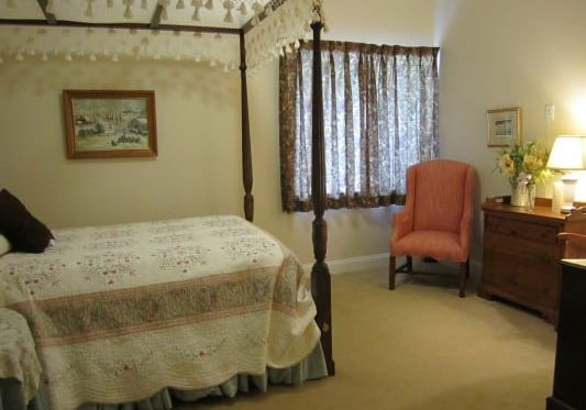 Private rooms can accommodate twin or full beds